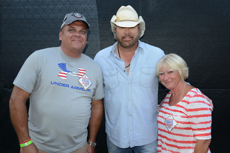 Rf2017 mg toby keith jameshochphotography ribfest 2017 naperville illinois meet greet toby keith m4hsunfo