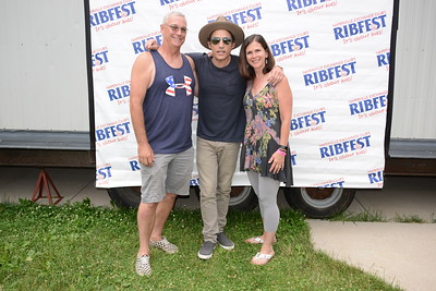 Ribfest 2017 - Naperville, Illinois - Meet & Greet - Wallflowers