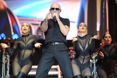 Ribfest 2018 - Naperville, Illinois - Band - Pitbull