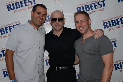 Ribfest 2018 - Naperville, Illinois - Meet and Greet with Pitbull