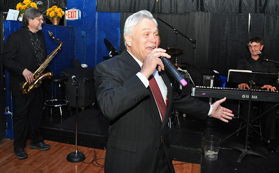 Rick Poppe Cosmic Crooner Christmas Show at DeSteffano's Restaurant in Las Vegas in photograph.  Pictures and image gallery ReallyVegas by Mark Bowers.