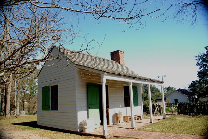 Magnolia Mound Plantation - Open Hearth Kitchen
