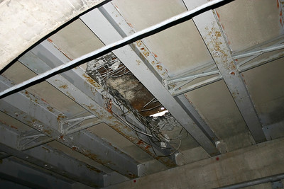 That's the ceiling, possibly the street above.
