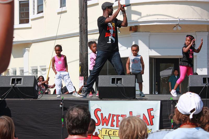Hip-hop class dancers