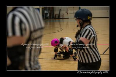 D75_5622-12x18-03_2016-Roller_Derby-W