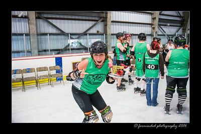 D75_5343-12x18-05_2016-Roller_Derby-W