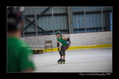 D75_5317-12x18-05_2016-Roller_Derby-W