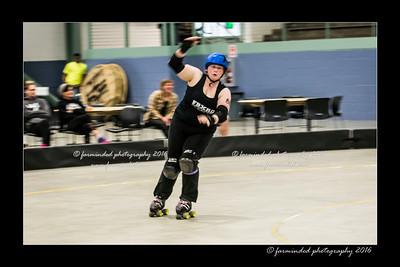 D75_0138-12x18-04_2016-Roller_Derby-W