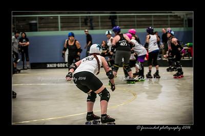 D75_0133-12x18-04_2016-Roller_Derby-W