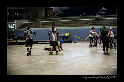 D75_0154-12x18-04_2016-Roller_Derby-W