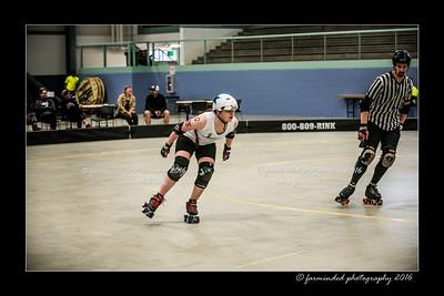 D75_0129-12x18-04_2016-Roller_Derby-W