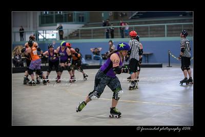 D75_8984-12x18-04_2016-Roller_Derby-W