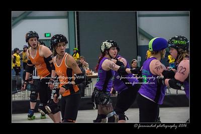 D75_9131-12x18-04_2016-Roller_Derby-W