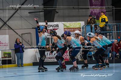 D75_5002-12x18-01_2017-Roller_Derby-W