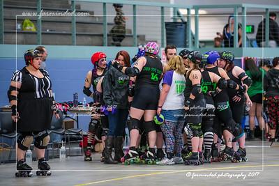 D75_9648-12x18-04_2017-Roller_Derby-UWR-W