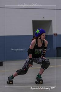 DS5_0126-12x18-05_2017-Roller_Derby-UWR