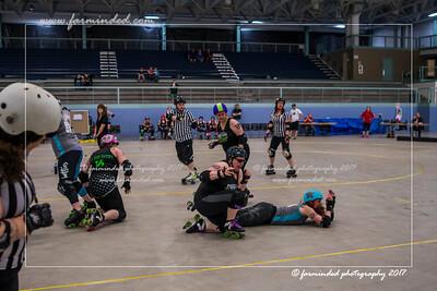DS5_0054-12x18-05_2017-Roller_Derby-UWR-W