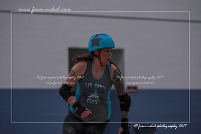 DS5_0107-12x18-05_2017-Roller_Derby-UWR-W