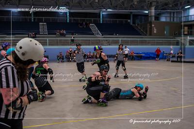 DS5_0055-12x18-05_2017-Roller_Derby-UWR-W