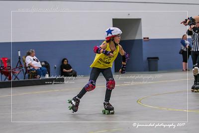 DS5_1236-12x18-05_2017-Roller_Derby-UWR-W