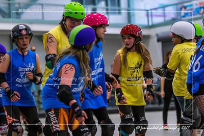 DS5_1373-12x18-05_2017-Roller_Derby-UWR-W