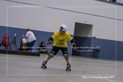 DS5_1278-12x18-05_2017-Roller_Derby-UWR-W