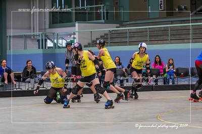 DS5_1674-12x18-05_2017-Roller_Derby-UWR-W