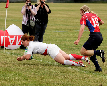 England V USA: Lizell Heather try