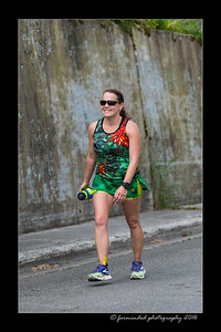 DS5_4554-12x18-06_2016-Runs-Mayors_Marathon-W