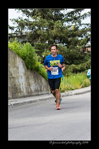DS5_4634-12x18-06_2016-Runs-Mayors_Marathon-W