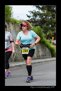 DS5_4580-12x18-06_2016-Runs-Mayors_Marathon-W
