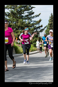 DS5_4679-12x18-06_2016-Runs-Mayors_Marathon-W
