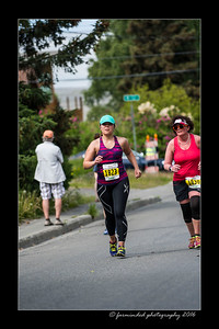 DS5_4505-12x18-06_2016-Runs-Mayors_Marathon-W