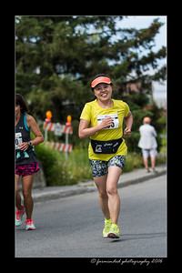 DS5_4608-12x18-06_2016-Runs-Mayors_Marathon-W