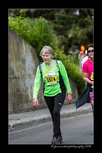 DS5_4558-12x18-06_2016-Runs-Mayors_Marathon-W
