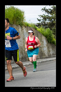 DS5_4636-12x18-06_2016-Runs-Mayors_Marathon-W
