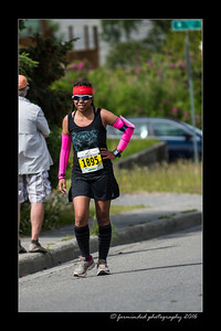 DS5_4656-12x18-06_2016-Runs-Mayors_Marathon-W
