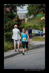 DS5_4495-12x18-06_2016-Runs-Mayors_Marathon-W