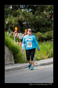 DS5_4638-12x18-06_2016-Runs-Mayors_Marathon-W