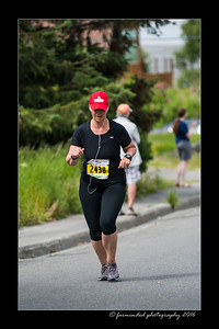 DS5_4525-12x18-06_2016-Runs-Mayors_Marathon-W