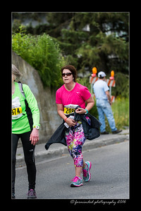 DS5_4561-12x18-06_2016-Runs-Mayors_Marathon-W