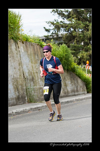DS5_4633-12x18-06_2016-Runs-Mayors_Marathon-W
