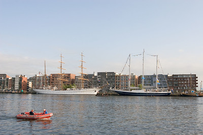 'Sagres II' of Portugal and 'Eendracht' from The Netherlands.