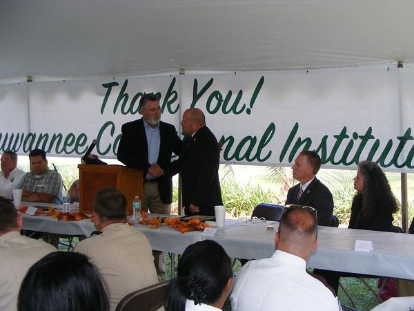 Suwannee County School Board Chairman Jerry Taylor and SCI Warden Chris Landrum