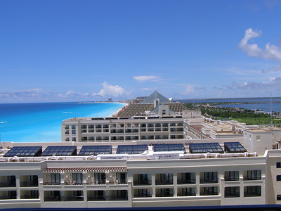 First Pan American Congress in Developmental Biology/SDB 2007 Annual Meeting - a clear day in Cancun --- a nice location for a meeting!!