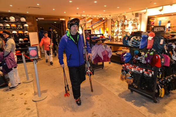 Feb6-ski02