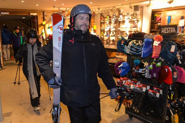 Feb6-ski01