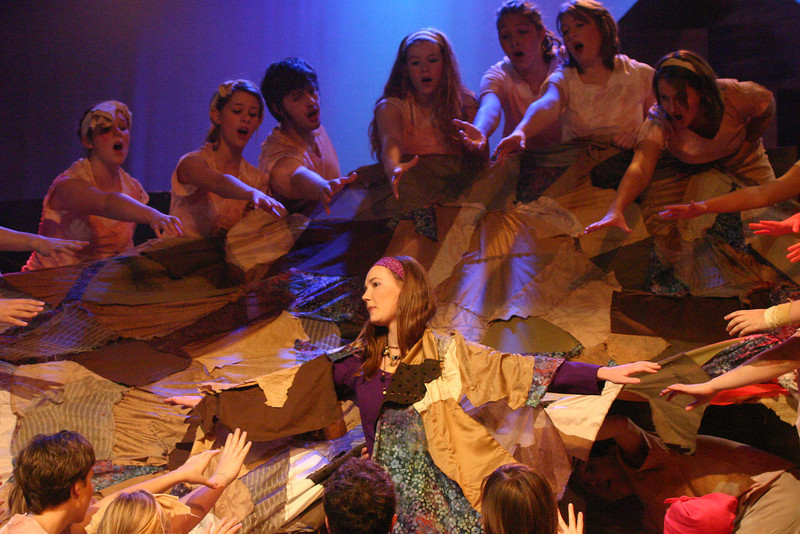 junior sarah casey-photo chris<br /> during play nubians want aida to lead them