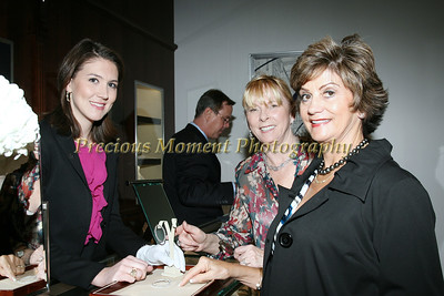 IMG_9014 Lindsay Griffith,Lyn Ianuzzi,Linda Simrell