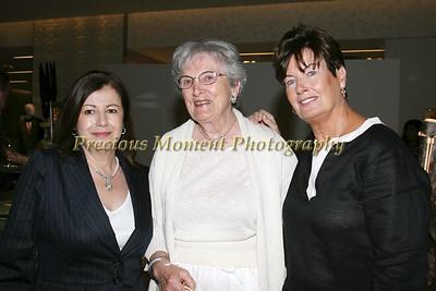 IMG_2526 Margarita Uribe,Mary Dinger & Linda Kaye